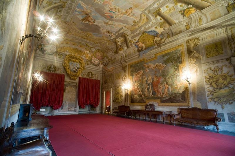 La bellissima Sala della Musica di Palazzo Mansi a Lucca