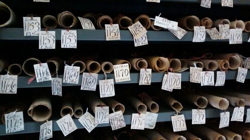 Particolare con le pergamene dell'archivio della Certosa