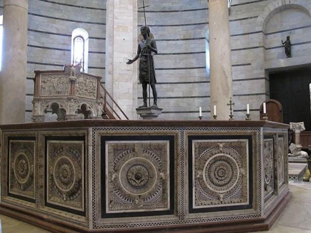 fonte battesimale Pisa